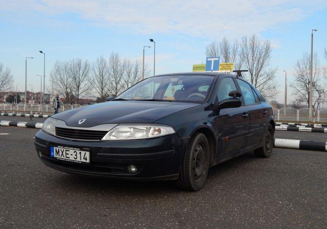 Renault oktató autó